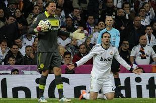 Pipita desperdició una gran chance. Real Madrid vs B Dortmund