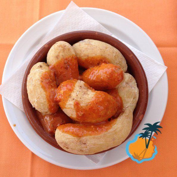 Gran Canaria Blog: Canarian Potatoes with red mojo sauce - papas con mojo