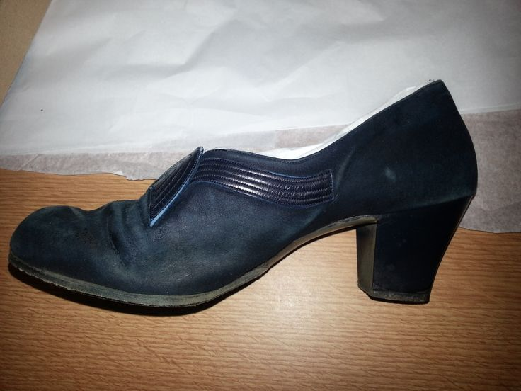 1930s womens blue suede court shoes