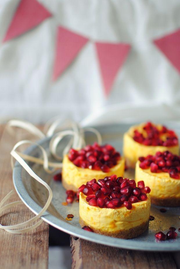 Frozen cheesecake med safran og granatæble