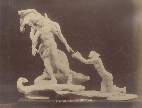 La cartolina originale del bozzetto dell'Age -Mur di Camille Claudel esposto al Salon del 1899