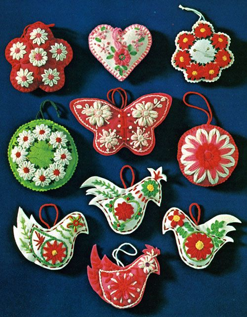 reminiscent of the Bucilla ornaments from the 70s that I adore....