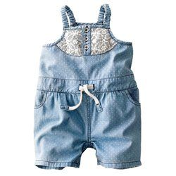 Tuta-shorts con spalline sottili in denim leggero