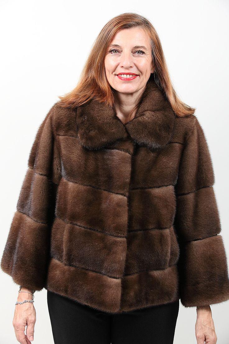 189 best vestes et manteaux de fourrure images on. Black Bedroom Furniture Sets. Home Design Ideas