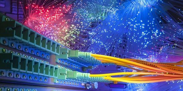 Für knapp über 70 Prozent der Haushalte in Deutschland ist eine schnelle Internetverbindung bereits verfügbar.