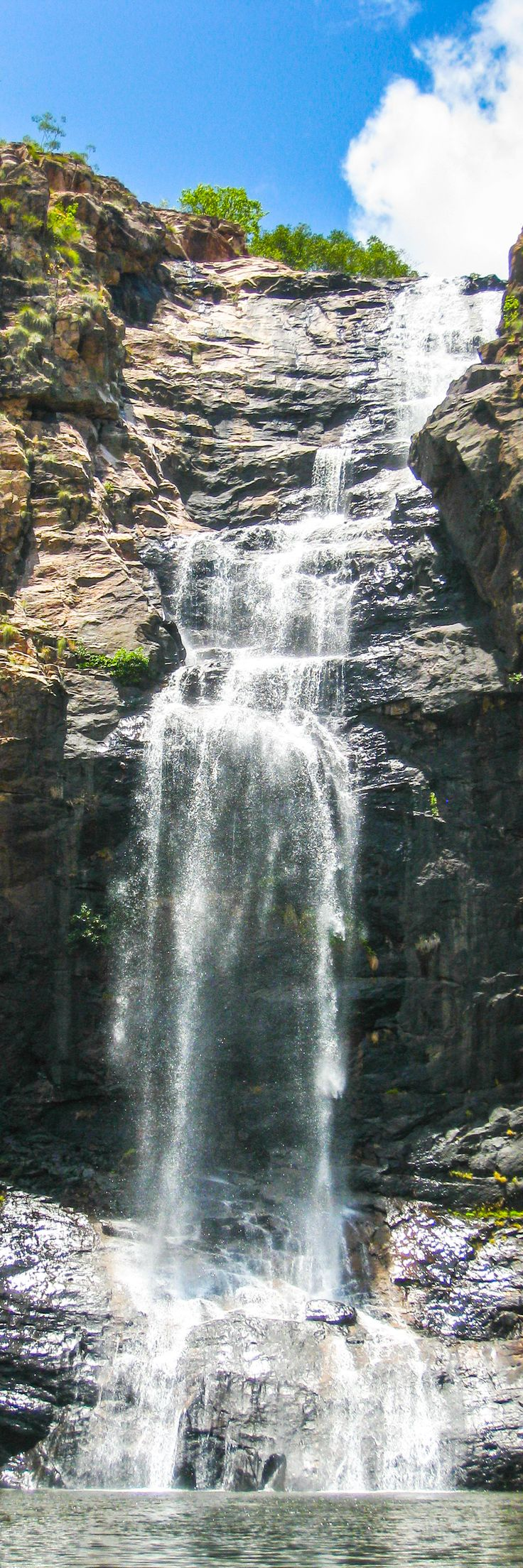 Gunlom Falls, also known as the Waterfall Creek Falls. A must-see place in Kakadu National Park, Australia.