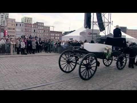 Daan - De lichtjes van de Schelde (funeral Bobbejaan)