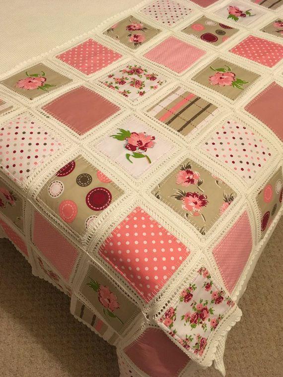 Fusión Quilt Patchwork Quilt con Crochet bordes por ennADesigns