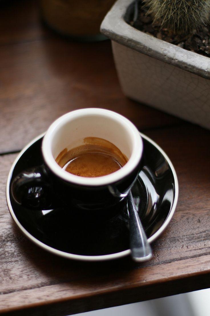 Espresso - short/double keepin' it old-school @kwilacafe