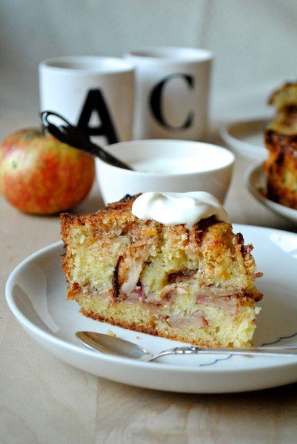 Æblekanelkage med hvid chokolade