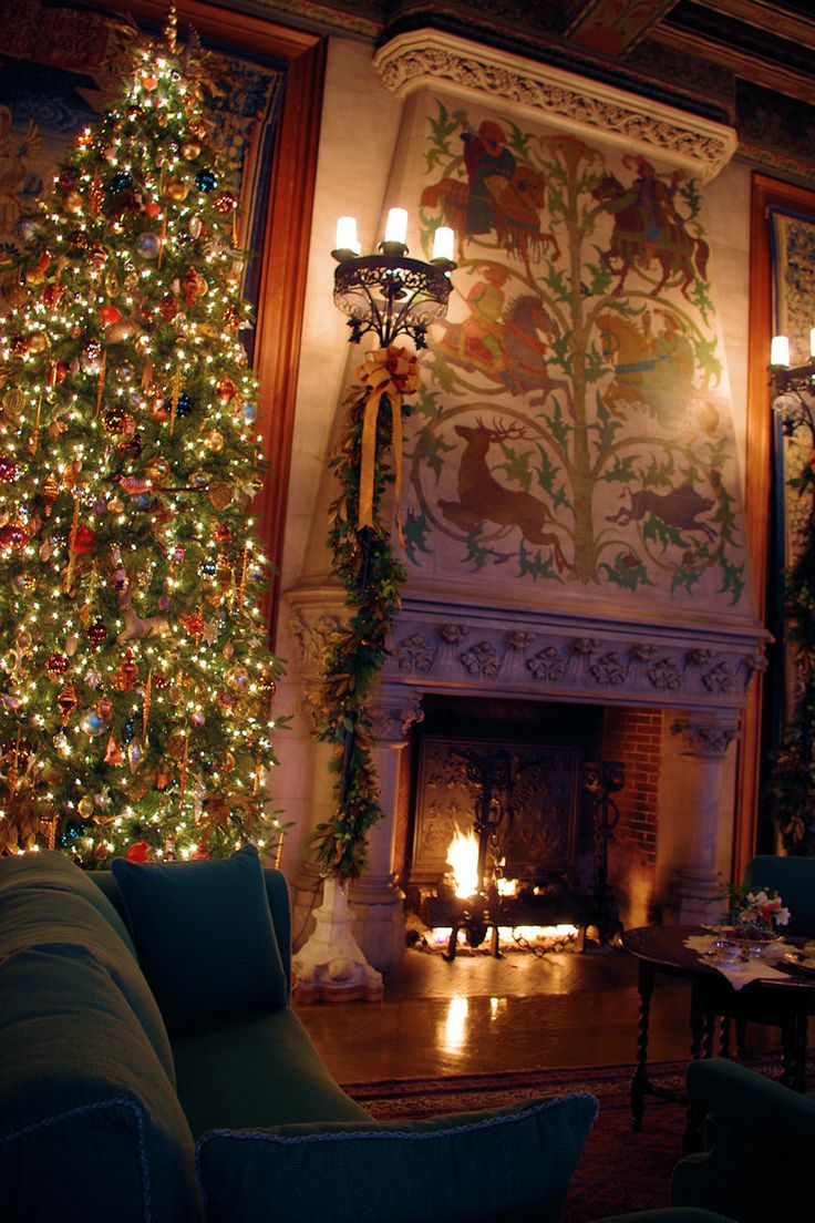 Christmas at biltmore house christmas decorations inside b - The Tapestry Gallery With Beautiful Fireplace Decorated For Christmas At Biltmore The Gilded Age Era Mansion Of George Washington Vanderbilt Located In