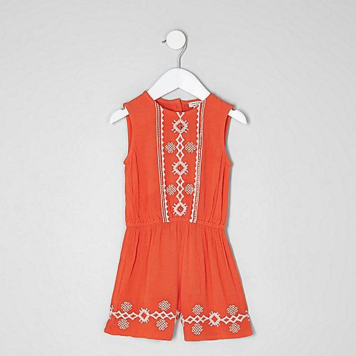 Woven fabric Embroidery detail Crew neck Sleeveless Button-up back