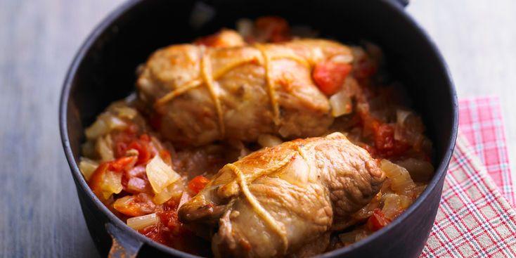 Paupiettes à la viande de porc, tomates, oignons, champignons