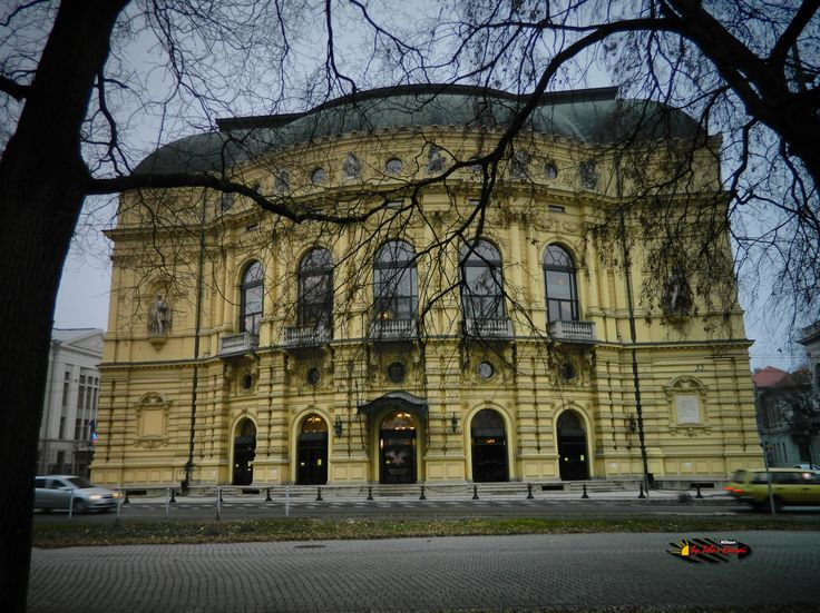National Theatre in Szeded, Hungary, Nikon Coolpix L310, 5.1mm, 1/30s, ISO80, f/3.2, -1.0ev, HDR photography, 201612221521