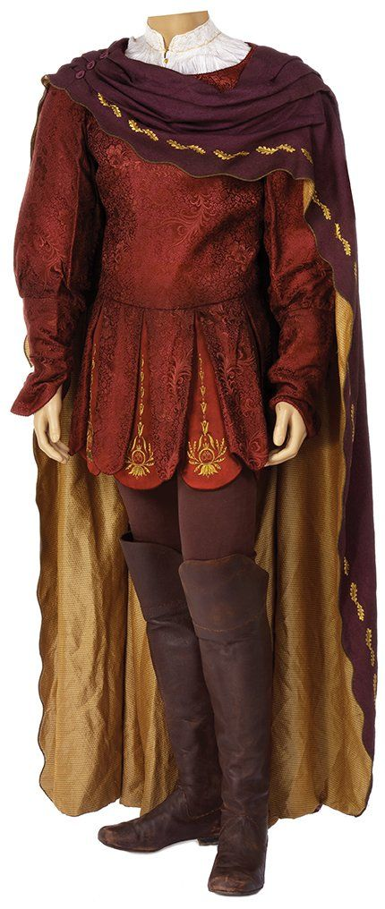 """High King Peter Pevensie's """"Hunting the White Stag"""" outfit in """"The Chronicles of Narnia: The Lion, The Witch and The Wardrobe"""""""