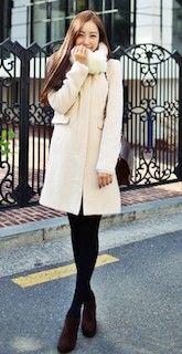 白コートの着こなし