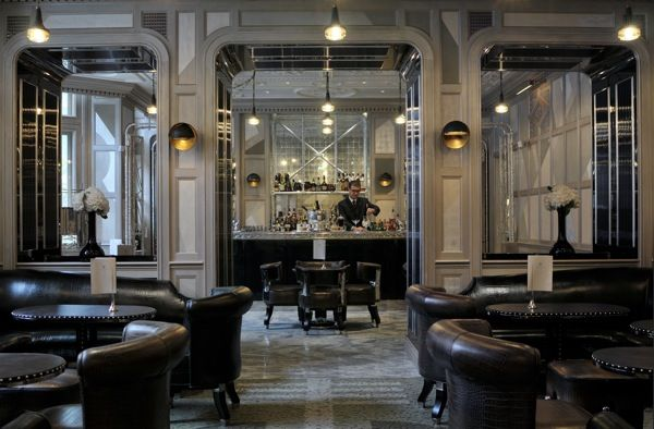 the best hotel bars in London  http://www.bonvivant.co.uk/the-guide/bars/105-londons-best-hotel-bars.html