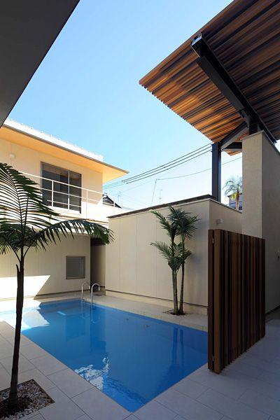 プール・水庭のある家