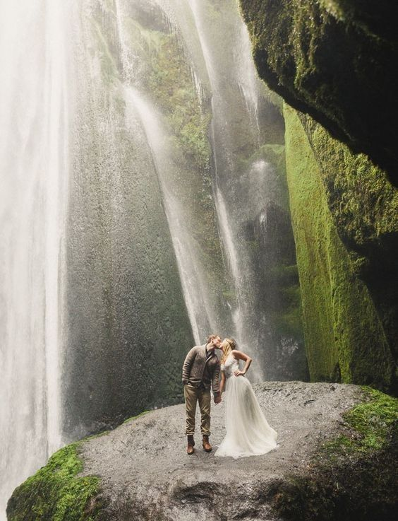 Should you or should you not Trash the Dress? Find out in our blog!