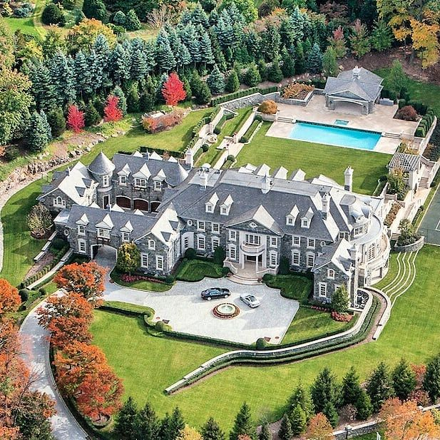 Good Morning All The Infamous 30 000 Square Foot Stone Mansion In Alpine Nj Home Homes B House Goals Dreams Stone Mansion Luxury Homes Dream Houses