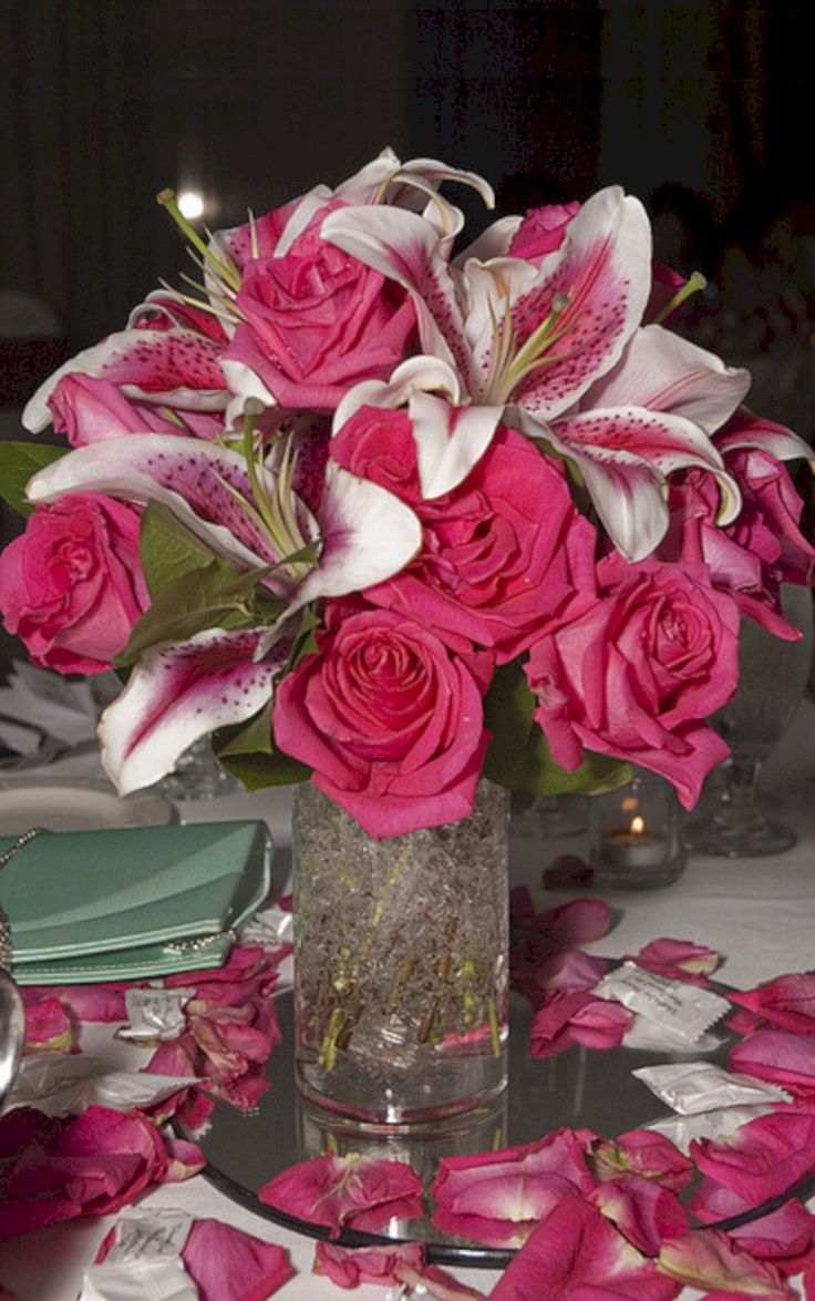 Awesome Red And Pink Flowers Centerpieces Idea For Wedding in February (30+ Beautiful Pictures)  https://oosile.com/red-and-pink-flowers-centerpieces-idea-for-wedding-in-february-30-beautiful-pictures-17789