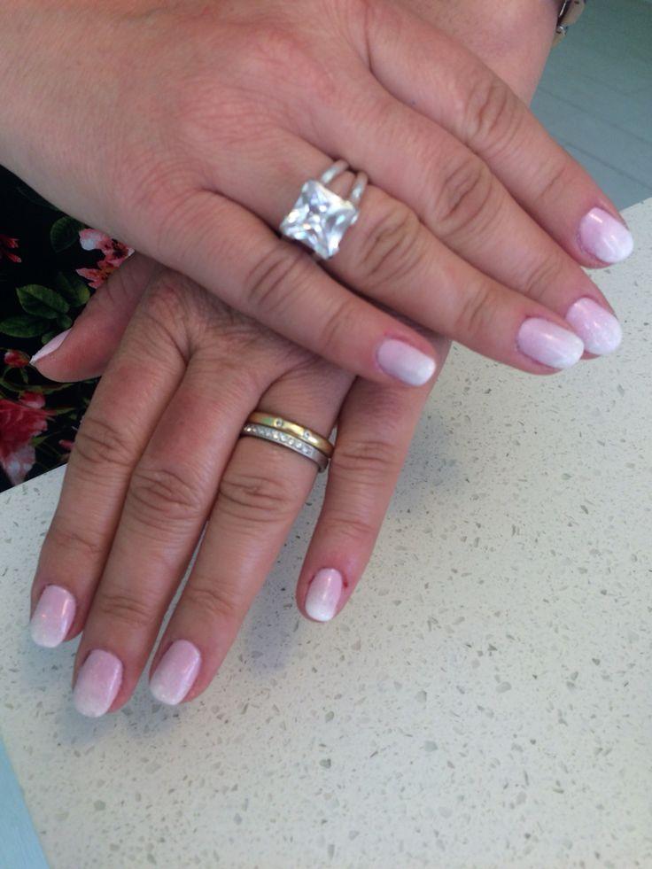 #Pink #white #design #hand #gel #BeautyOnTheMove