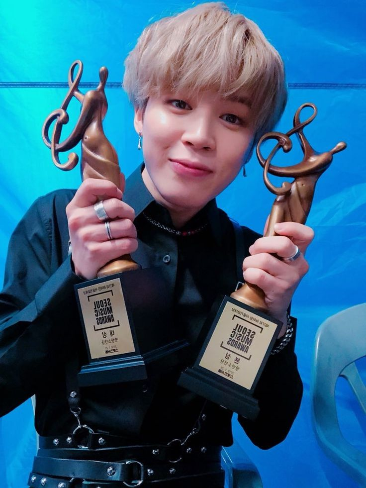 """#Jimin // 180125 """" Thank you from the bottom of my heart for being the cause of this. I love you. #JIMIN #OurARMYWonAnAward """""""