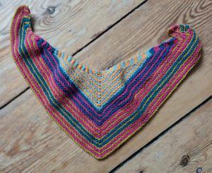 Knitting instructions: How to knit a neckerchief in triangular shape – no matter…