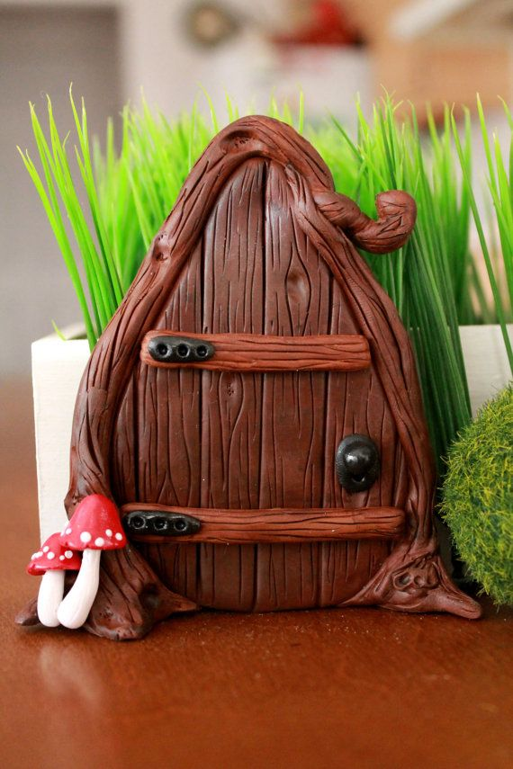 352 best images about fairy doors on pinterest portal for Mini fairy door