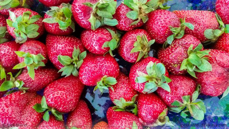 Top view of fresh strawberries