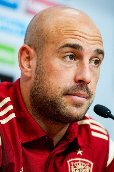 Pepe Reina Photos Photos - Pepe Reina of Spain faces the media during a press conference ahead of their international friendly match against Bolivia at the Ramon Sanchez Pizjuan stadium on May 29, 2014 in Seville, Spain. - Spain Training Session
