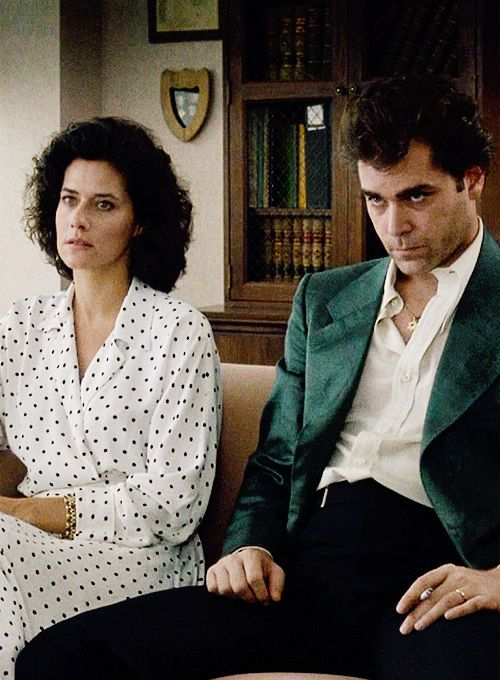 Lorraine Bracco and Ray Liotta in Goodfellas (1990)