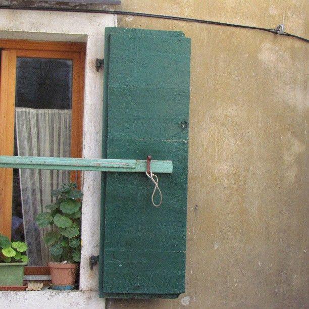 in cerca di uno (s)punto di fuga e punte di #verde #quiet #pirano #slovenia #travel #finestra #tweegram #photooftheday #summer #tbt #igers #picoftheday #food #instadaily #instagramhub #picstitch #follow #webstagram #nofilter