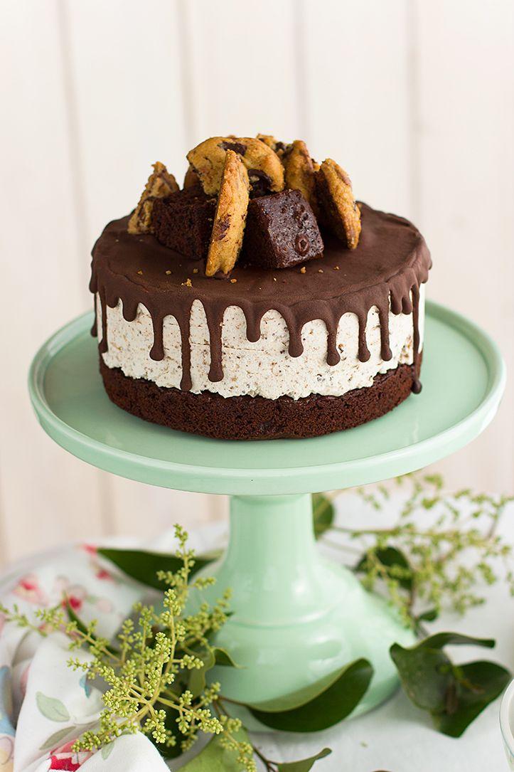 Tarta helada de cookies y brownie perfectas para el verano. Un helado delicioso hecho 100% en casa y con ingredientes deliciosos.