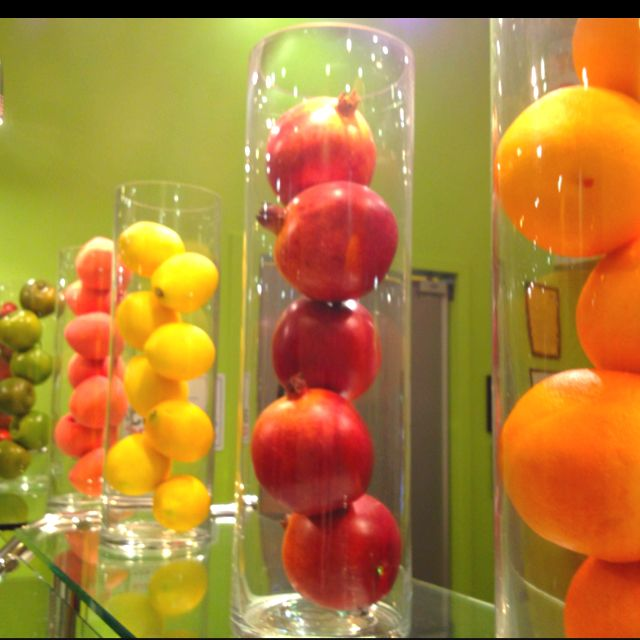 Some vases with fruit some vases with flowers i like it - Kitchen curtains with fruit design ...