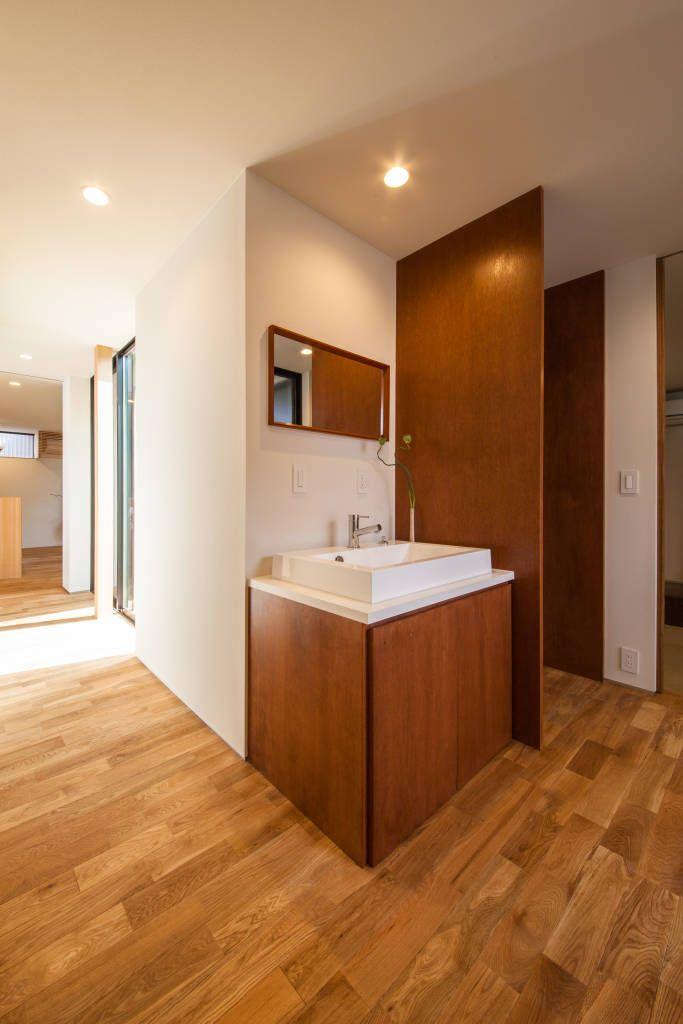 translation missing: jp.style.洗面所-お風呂-トイレ.modern洗面所/お風呂/トイレのデザイン:Sanitaryをご紹介。こちらでお気に入りの洗面所/お風呂/トイレデザインを見つけて、自分だけの素敵な家を完成させましょう。