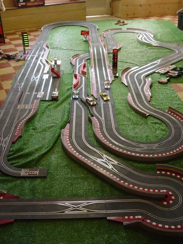 David Yuen uploaded this image to 'SCX Digital Slot Cars'. See the album on Photobucket.