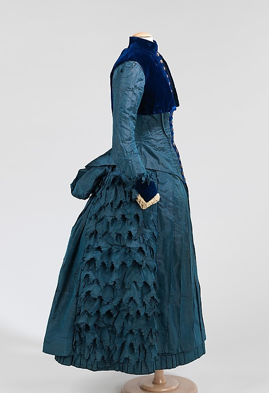 1885 girl's dress. Exact copy of woman's fashion with a shorter hemline for a girl of 8-10.
