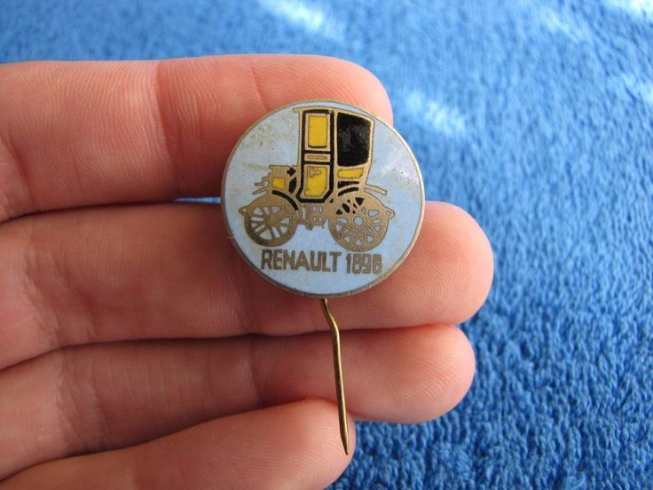 Vintage Soviet Russia USSR badge pin auto car Renault 1898 history automobile