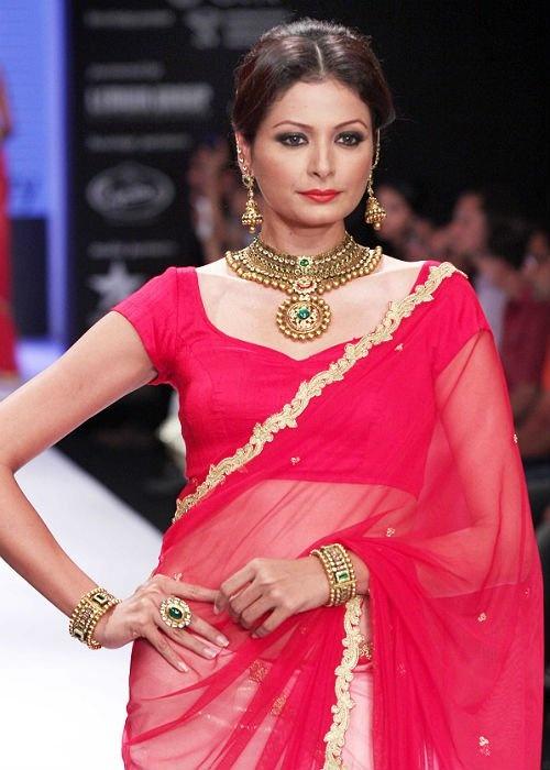 Chiffon Saree with Raw silk Blouse... Make a great evening wear