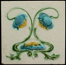 Art Nouveau tile with flowers from England