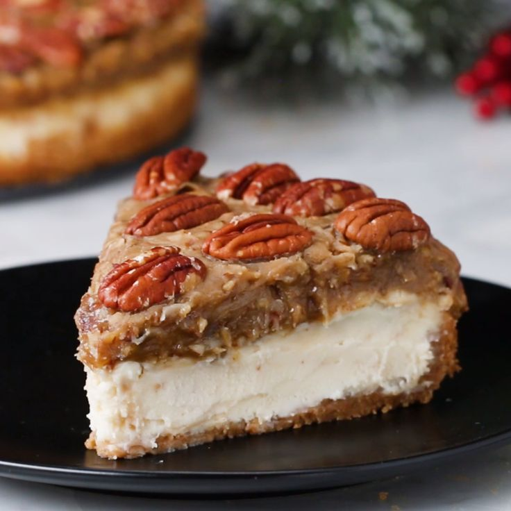 Pecan Pie Cheesecake // #cheesecake #holidays #pecanpie #dessert #Tasty