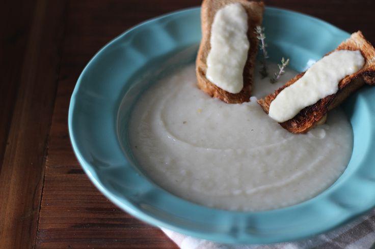 Ricetta della vellutata di topinambour e crostini alla fonduta | bigodino.it