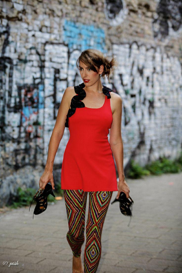 dress: from somewhere, leggins: Antiform, shoes: models own Foto: www.posh-photographie.com Model: Natasha
