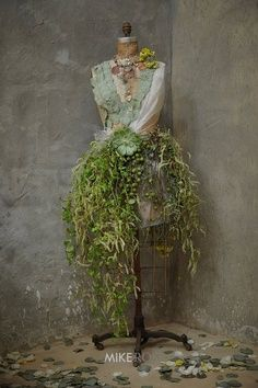 floral tree dress form  | Christmas Tree Dress Forms & Mannequins