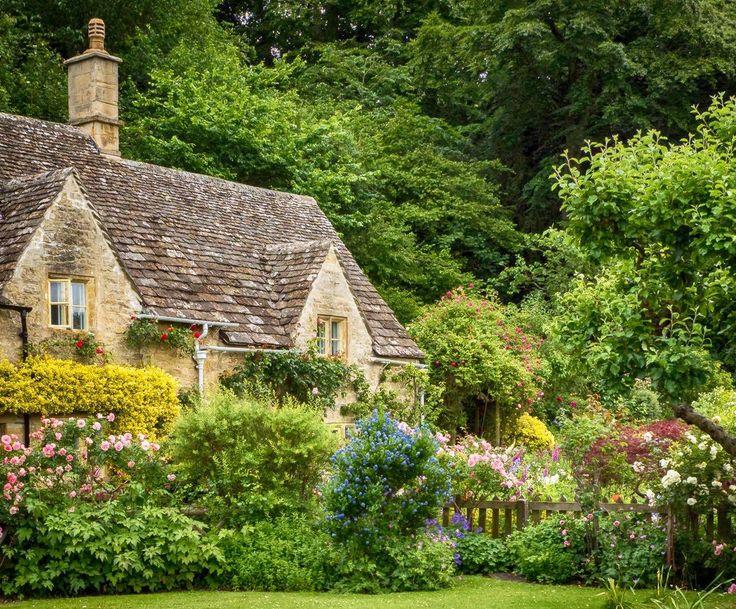 Best 25+ English Cottages Ideas On Pinterest