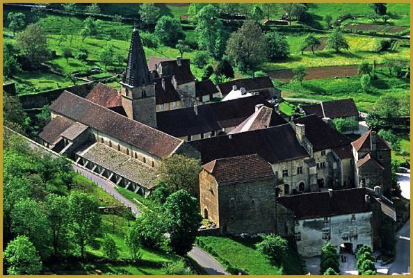 Abbaye impériale Saint-Pierre de Baume-les-Messieursdans le département du Jura en région Bourgogne-Franche-Comté.