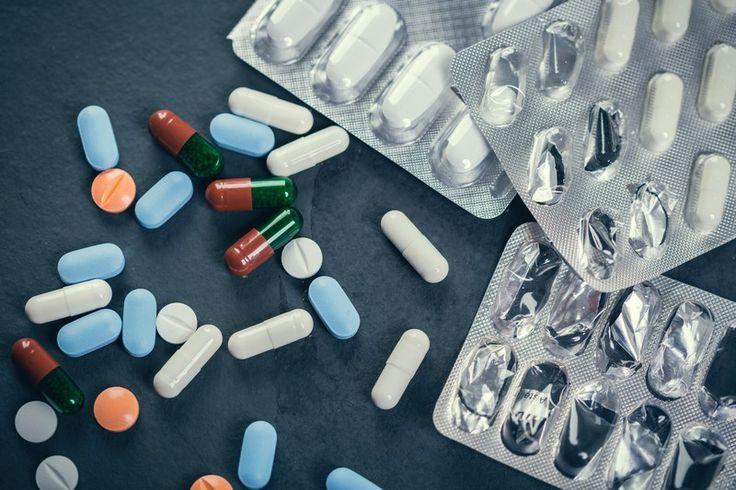 ERREUR DE NOTICE : ALERTE SUR LES RISQUES INTESTINAUX D'UN MÉDICAMENT POUR LE CERVEAU  L'Agence nationale de sécurité du médicament (Ansm) met à jour la notice d'un neuroleptique. Il manquait en effet des informations essentielles concernant le risque d'occlusion et d'inflammation intestinales.