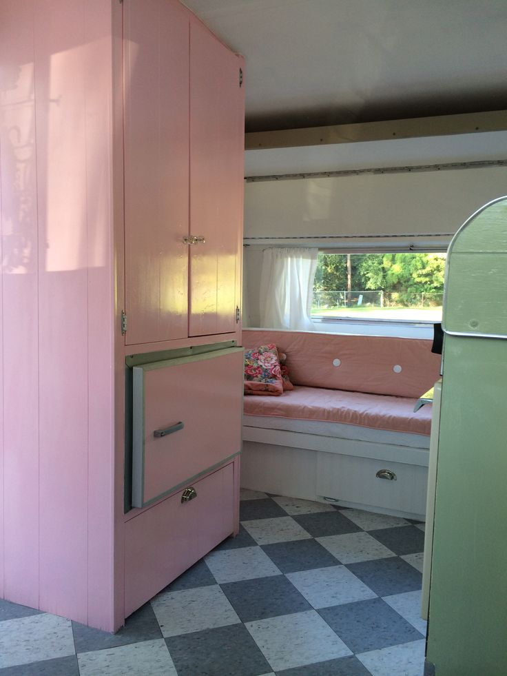 Pink Wardrobe Amp Icebox 1966 Shasta My Dream Trailers