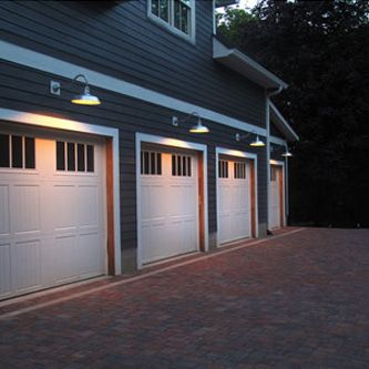 The Original barn light is one of our best selling gooseneck lights!